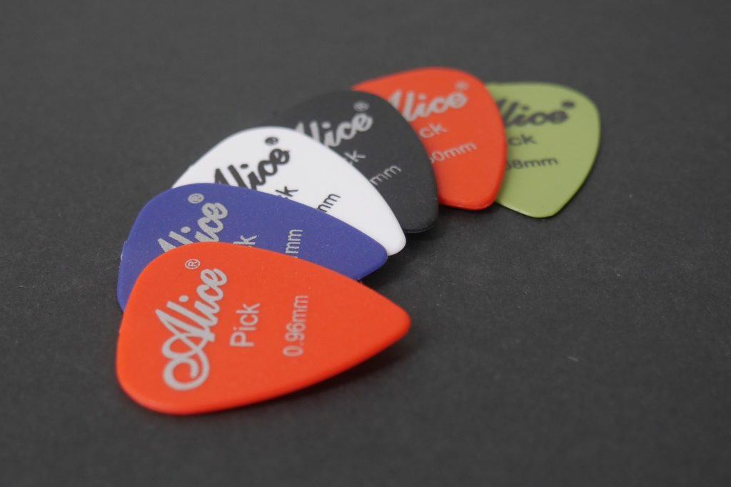 music accessories - guitar picks